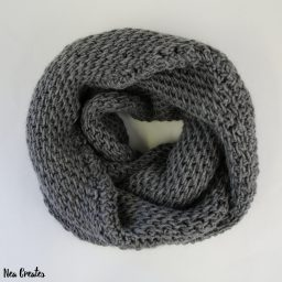 Follow this FREE Tunisian crochet pattern and crochet this gorgeous and warm Tunisian Full Stitch Infinity Scarf! It makes a great gift too!