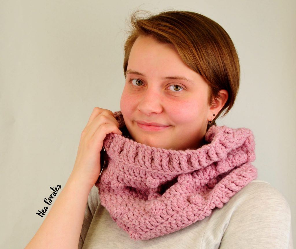 Crochet the super cute and quirky Bobble Stitch Cowl using this easy and FREE crochet pattern! You can crochet the cowl in either of the three sizes available, small, medium or large!