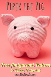 Piper the Pig, free crochet pattern. Crochet a super cute pig using this FREE amigurumi pattern! #freeamigurumipattern #freecrochetpattern #piperthepig | Nea Creates